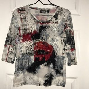 NWOT Onque Casual England Rhinestone 3/4 Top